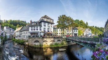 Monschau in der Eifel © pure-life-pictures-fotolia.com