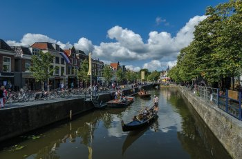 Gracht in Leeuwarden © Rik-stock.adobe.com